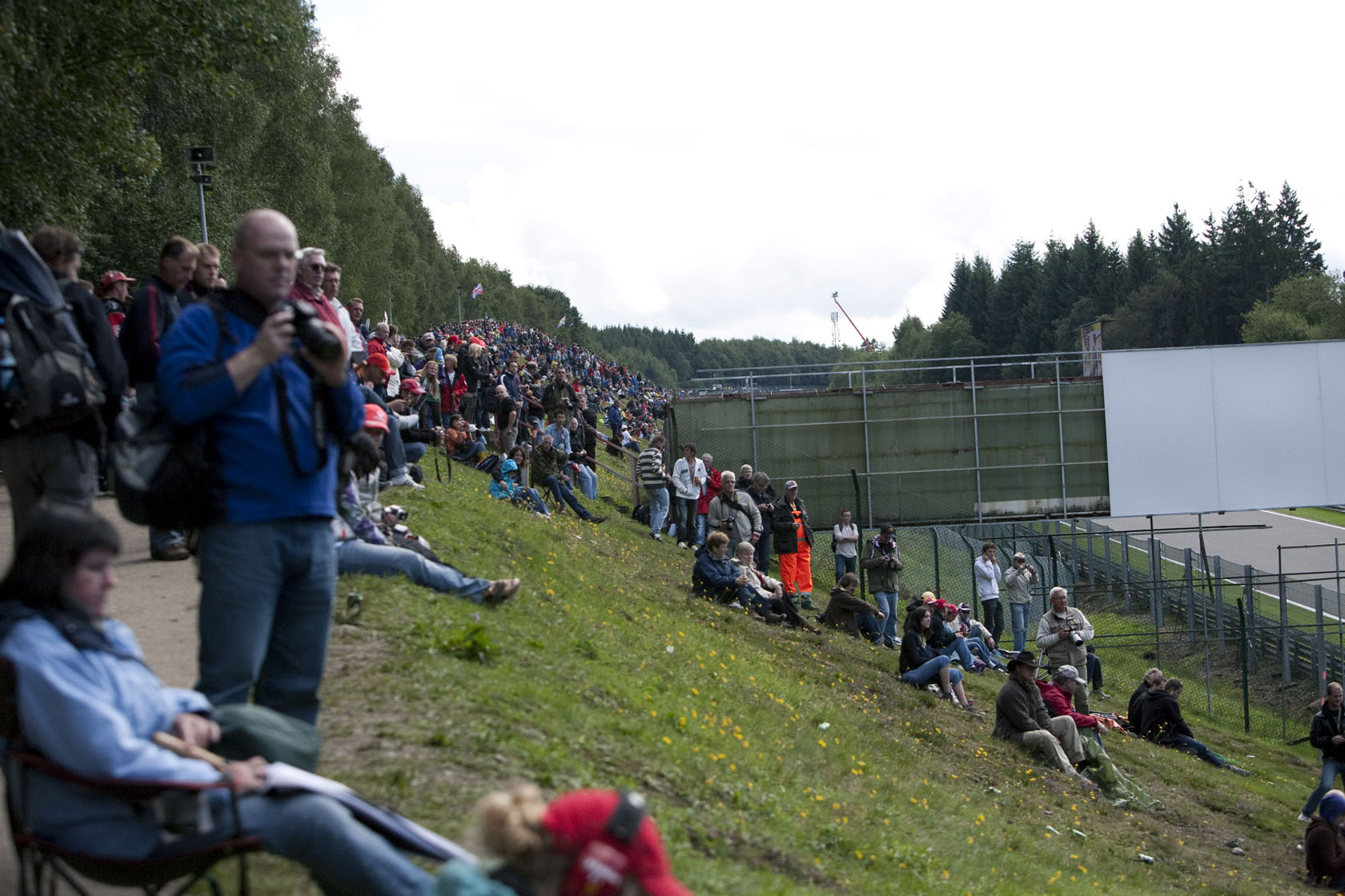 crowds-watch-belgian-grand-prix-spa1