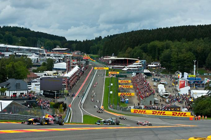 f1cars-eau-rouge-spa